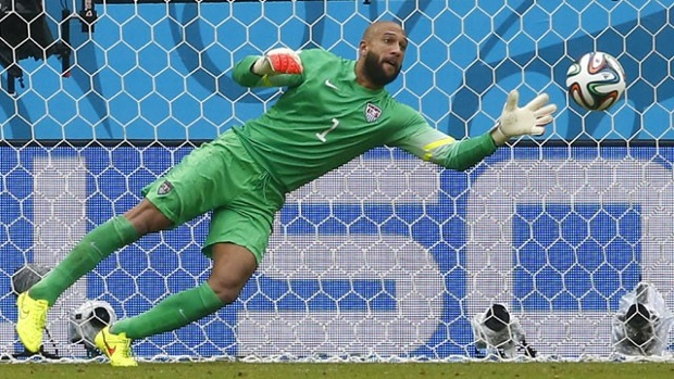 MULTIRACIAL MAN CRUSH MONDAY: TIM HOWARD via Swirl Nation BlogMULTIRACIAL MAN CRUSH MONDAY: TIM HOWARD via Swirl Nation Blog