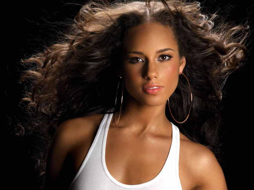 Alicia Keys. The singer was born to a white mother and black father.