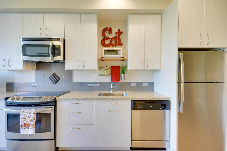 5. kitchen- after.jpg