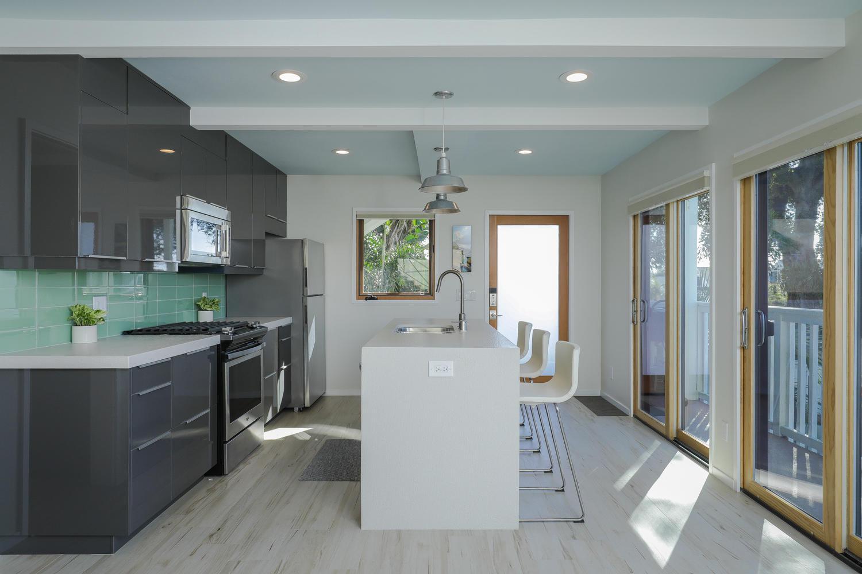 5. kitchen- lower 415 20th St San Diego CA 92102-large-006-13-415 20th St Interior-1500x1000-72dpi*.jpg