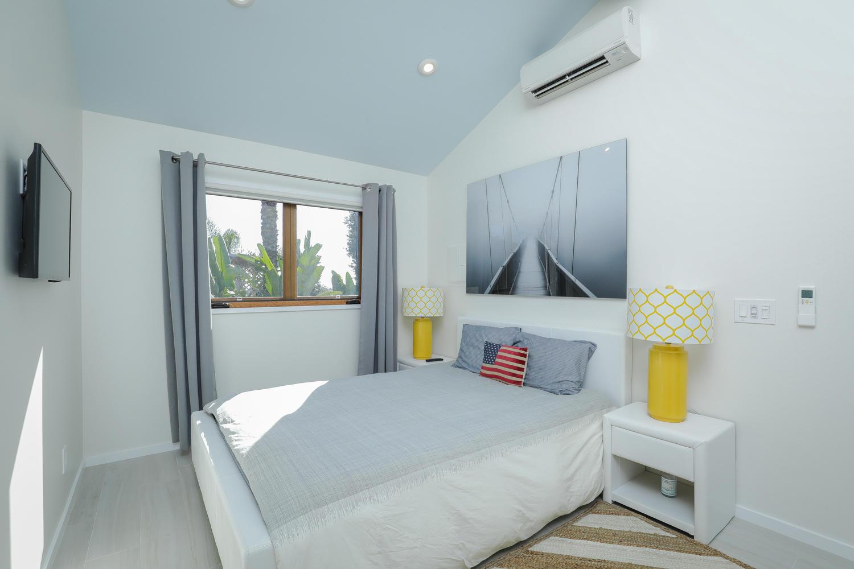 8. bedroom- upper 1 415 20th St San Diego CA 92102-large-040-31-415 20th St Interior-1500x1000-72dpi*.jpg