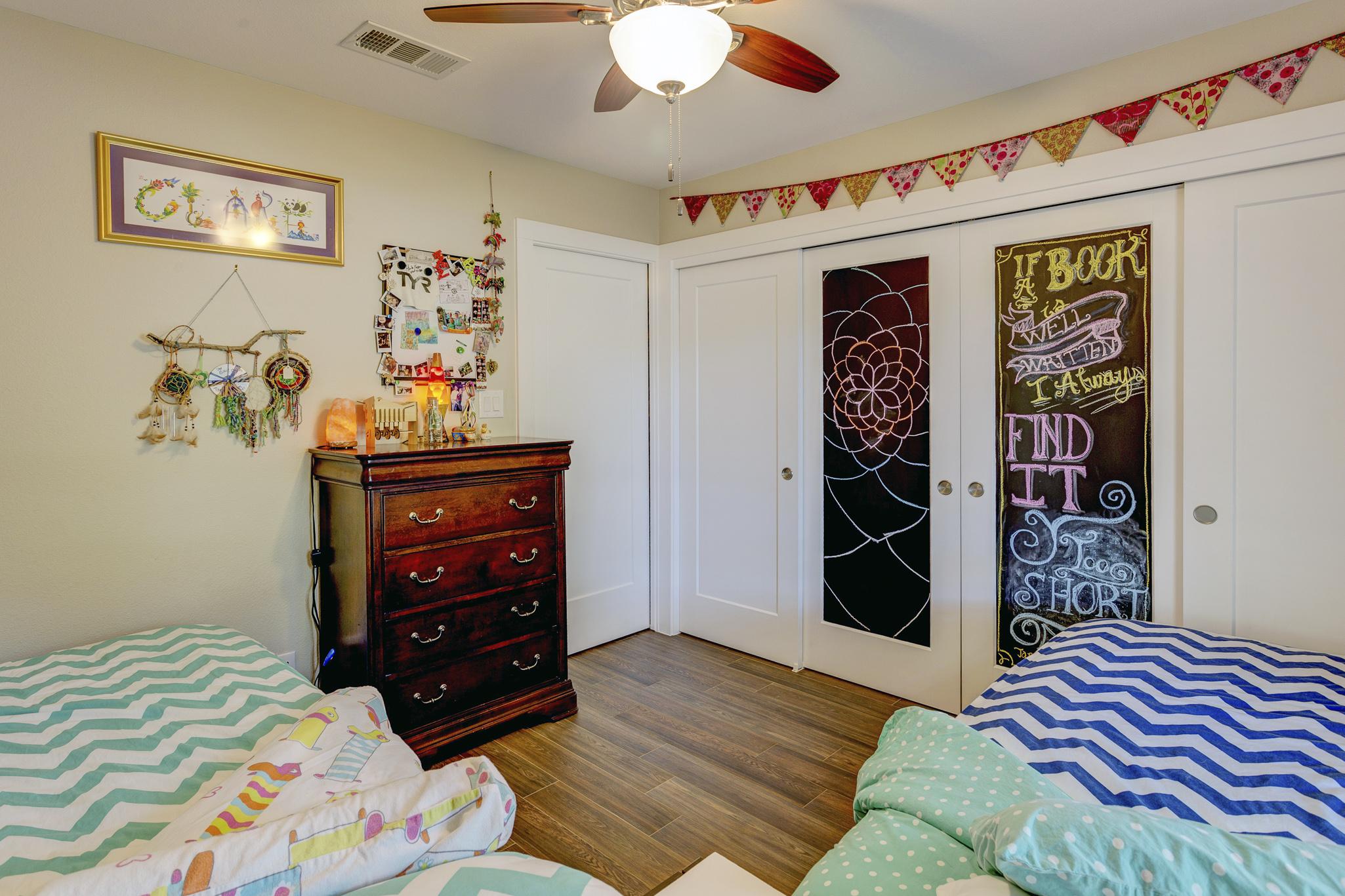 11b- girls bedrm RealEstate-39*.jpg
