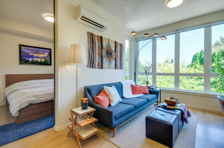 COZY & BRIGHT PORTLAND APARTMENT - A Beautiful Interior Design for an Oregon Businessman