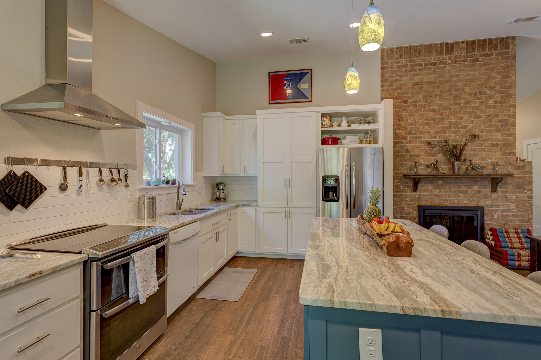 LIGHT & MODERN TEXAS REMODEL - Finding More Space for an Energetic Family