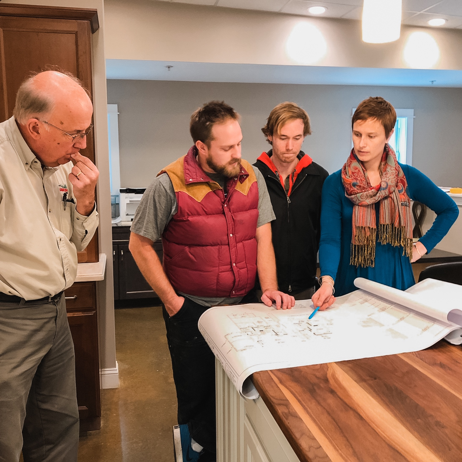 This is one my favorite parts of my job: picking finishes! ✍🏼 Our building team gathered at the showroom to decide on cabinets, countertops, and flooring. 🏠 SO FUN! 🤗