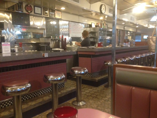 CLASSIC JERSEY DINER SERVING BREAKFAST, LUNCH AND DINNER