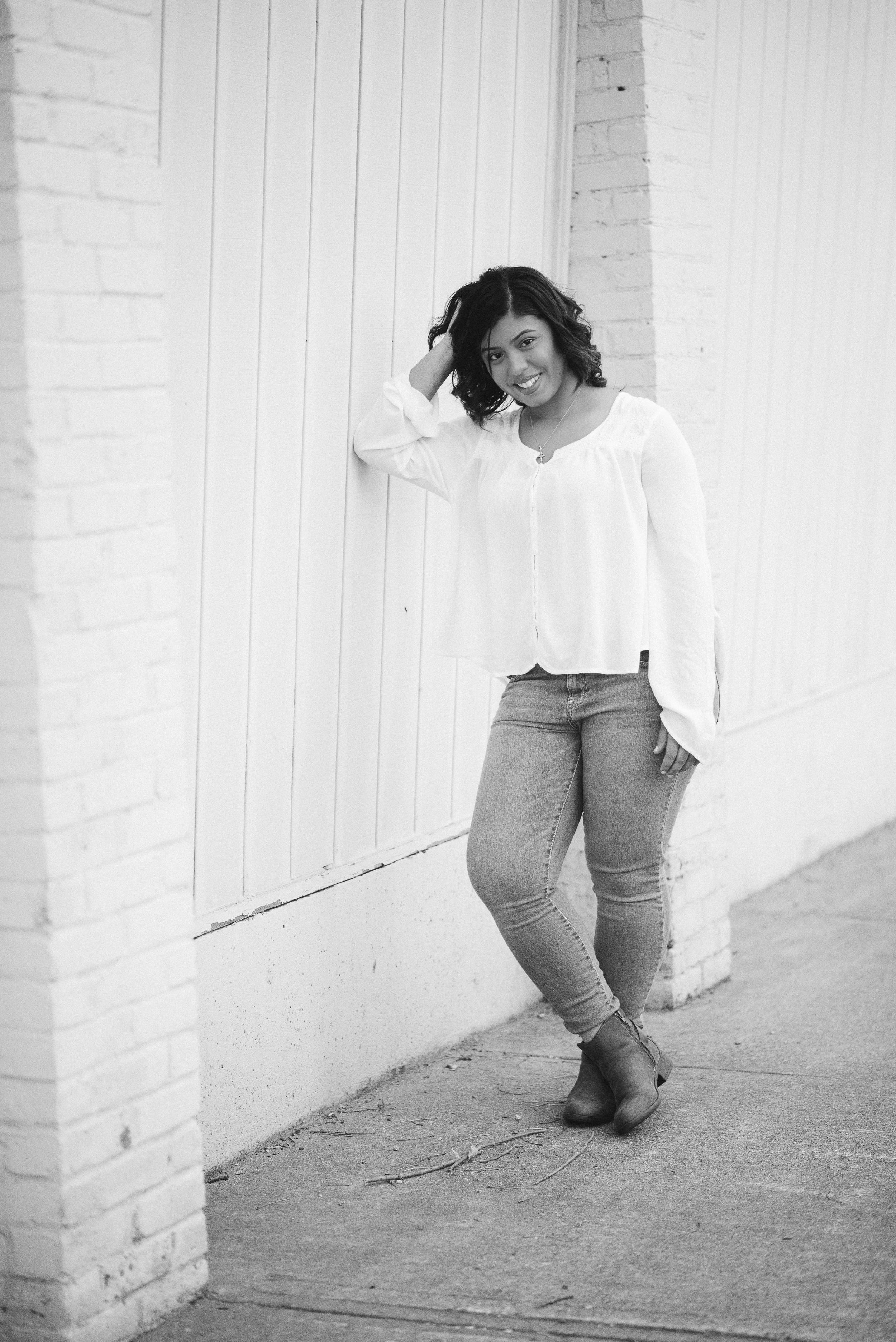 Megan Fuss Photography Senior Chantilly 00009.jpg