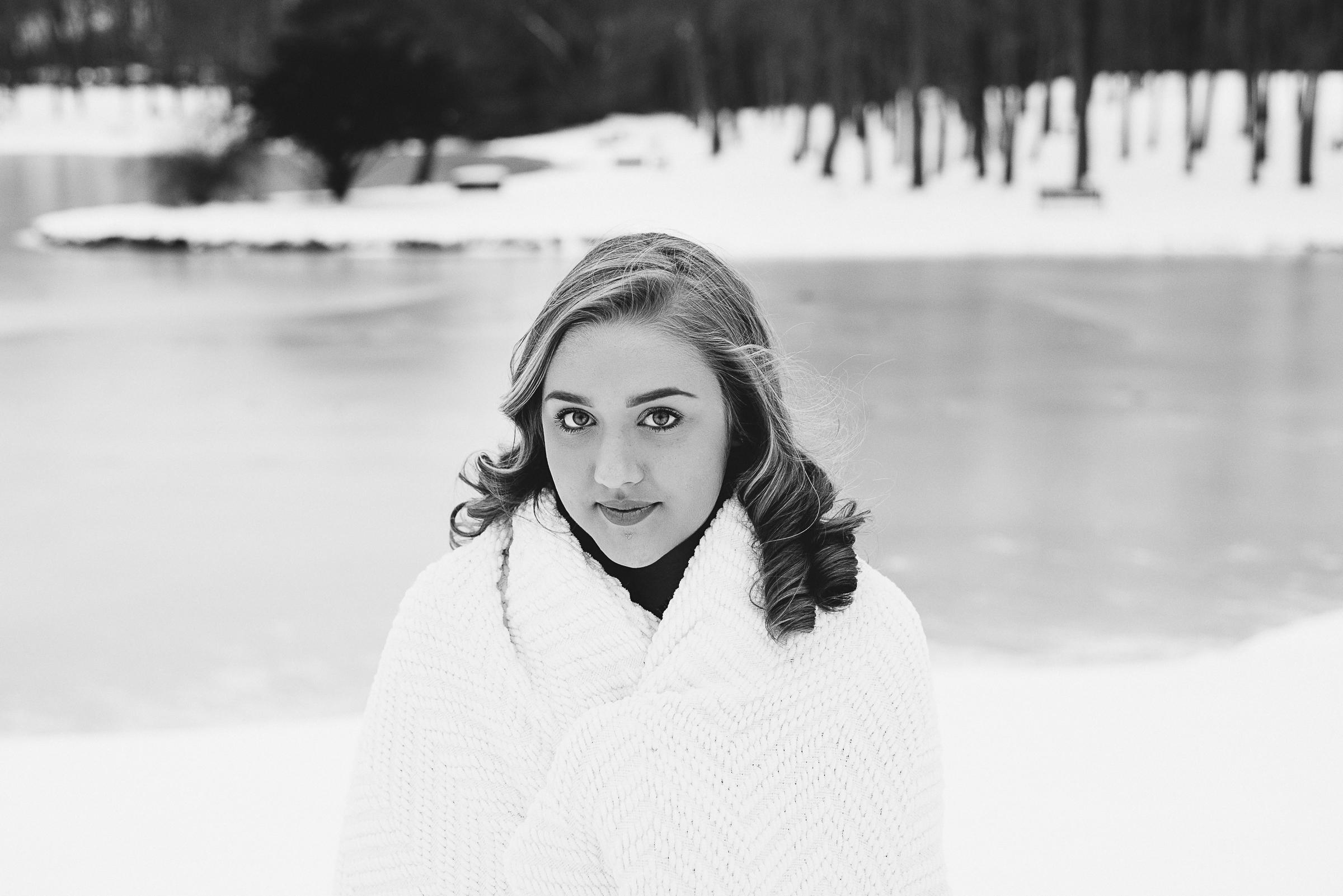 Megan Fuss Photography Western Mass Springfield Senior Portraits Olivia 00011.jpg