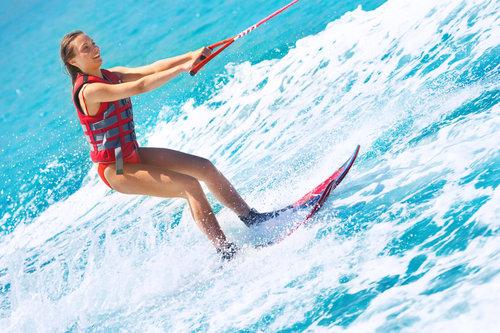 Waterskiing-in-Cabo-Malibu-Wakesetter-KAI-NAS-ADVENTURES.jpg