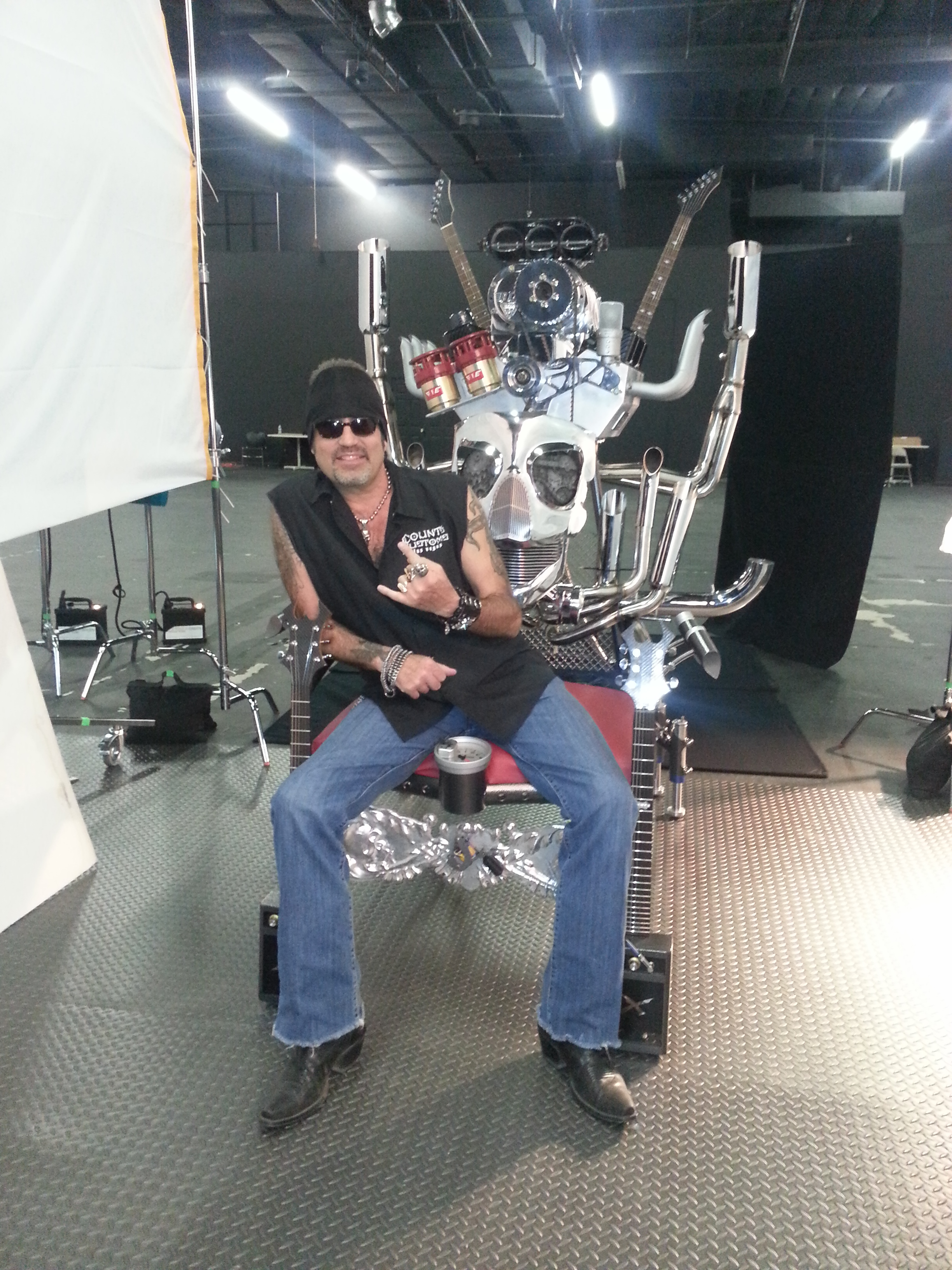 Counting-Cars-throne2.jpg