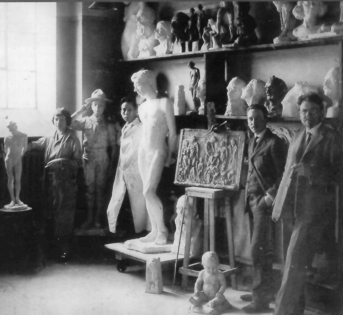 Lowrie Warrener and Emmanuel Hahn, 1924, Ontario College of Art Photo Credit: Succession Elizabeth Wyn Wood and Emanuel Hahn.