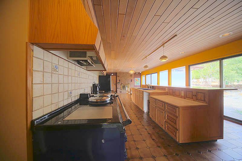 Kitchen_HDR2_lowres.jpg
