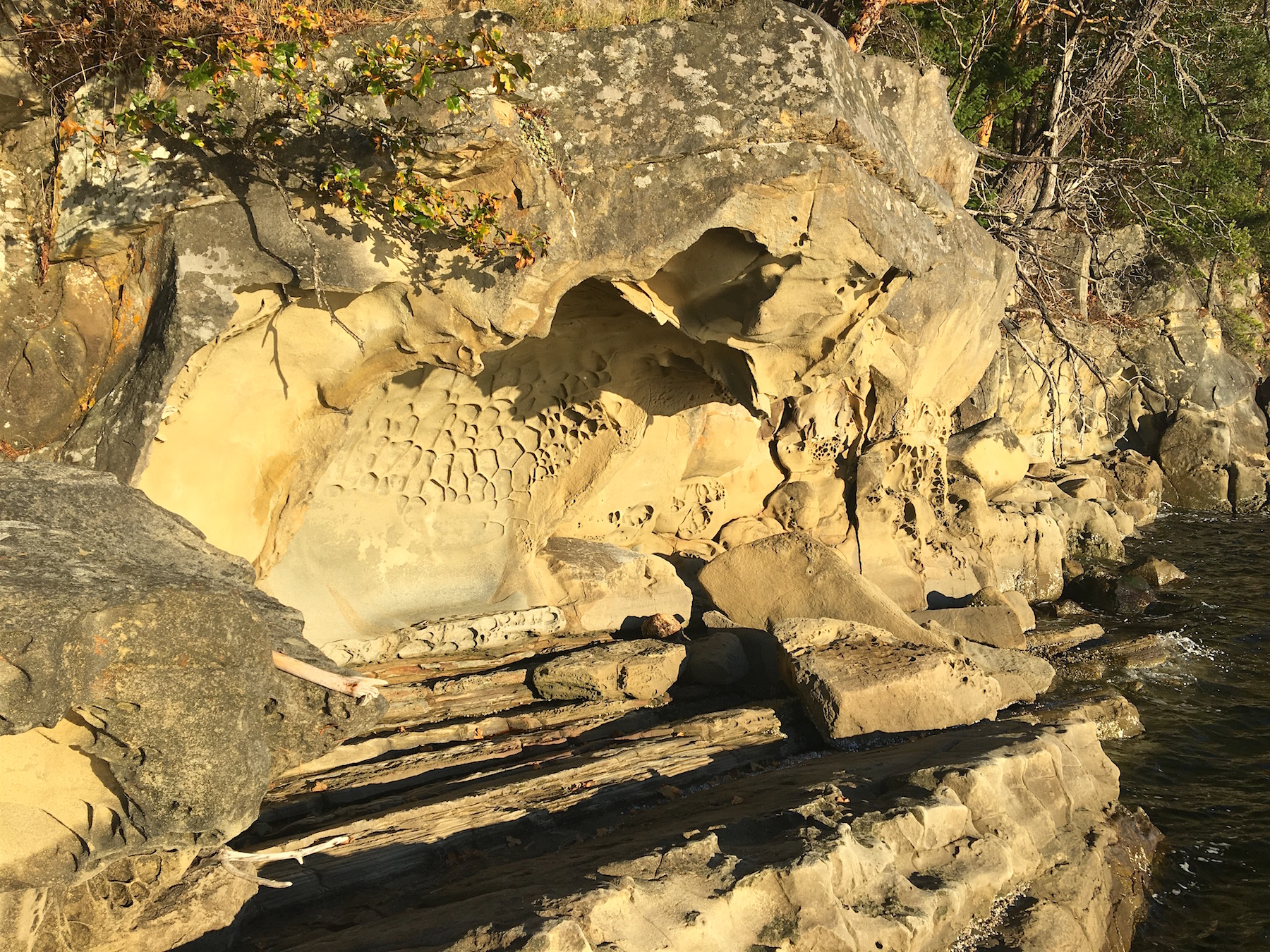 Standstone cave