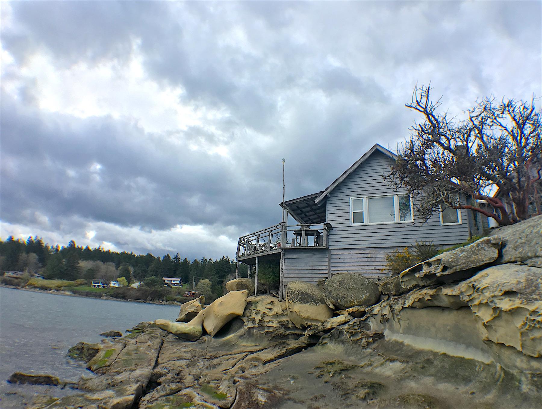 Oceanside of house 2.JPG