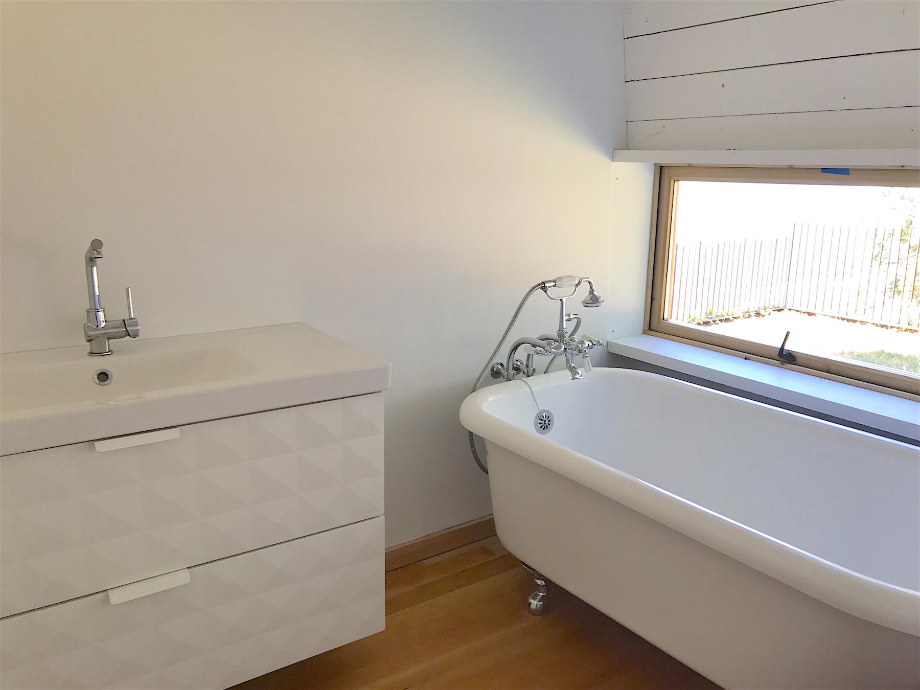 Bathroom - 21455 Porlier Pass.jpeg