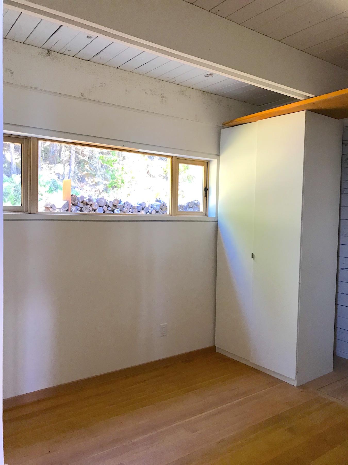Guestroom : Laundry room V - 21455 Porlier Pass.jpeg
