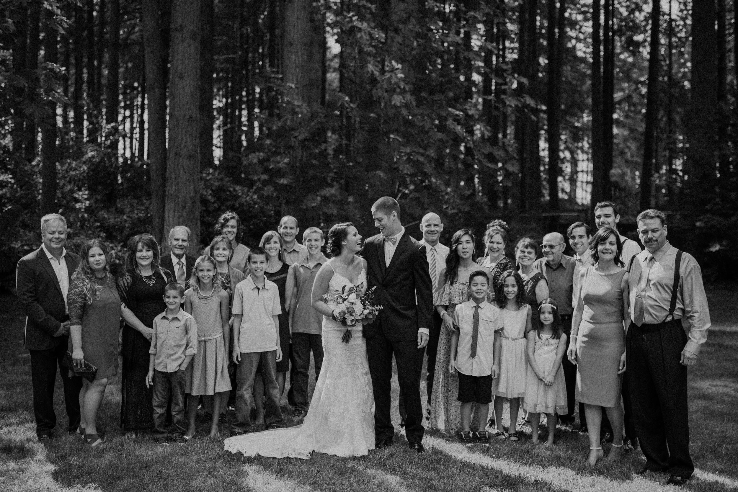 Shaynah Vandegriffe Photography | Eugene, Oregon wedding photographer | Deep Woods Events Wedding | Oregon Bride | Father of the Bride | Family Formals | Deep Woods Events