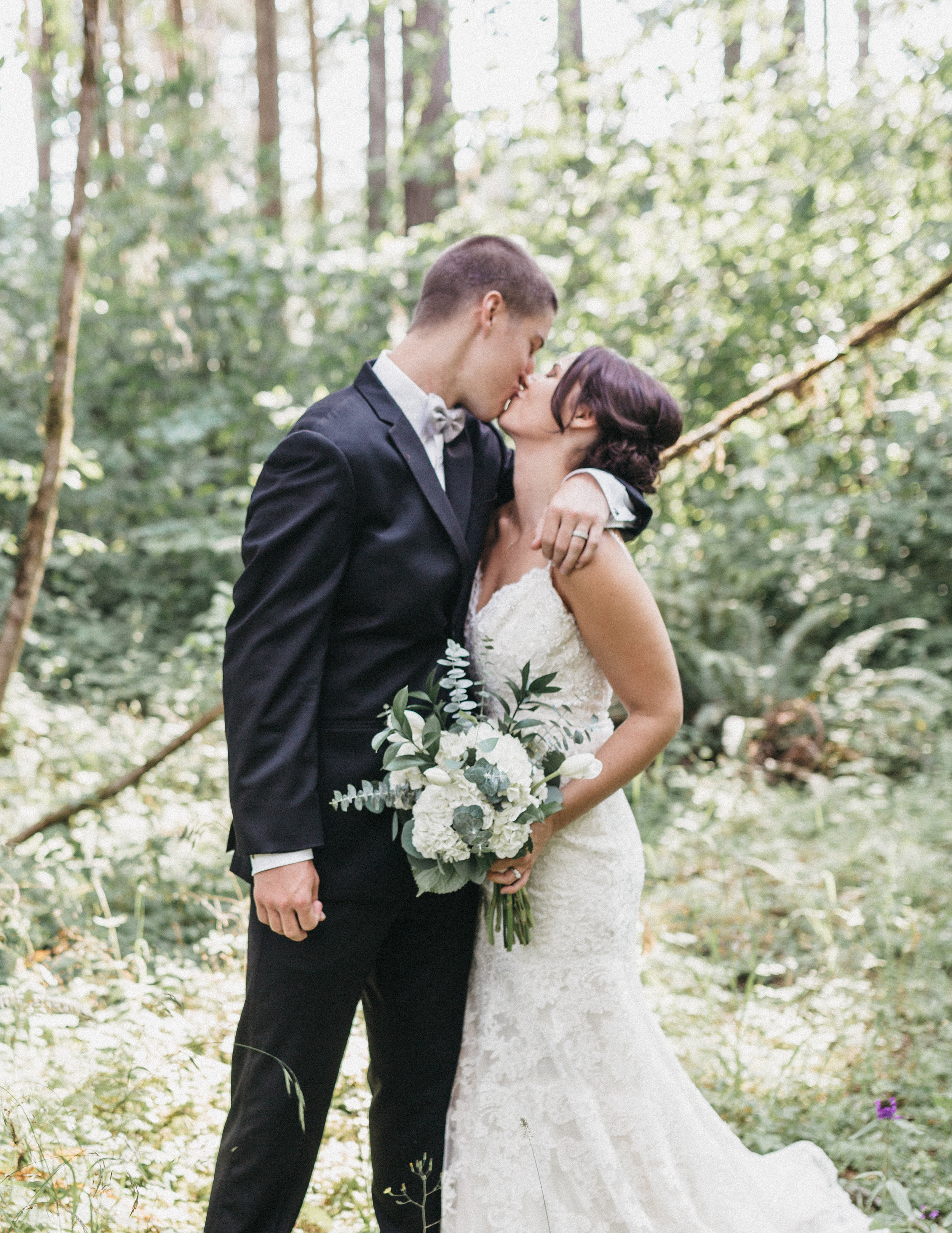 Shaynah Vandegriffe Photography | Eugene, Oregon wedding photographer | Deep Woods Events Wedding | Oregon Bride | Father of the Bride | Bride and Groom | Deep Woods Events