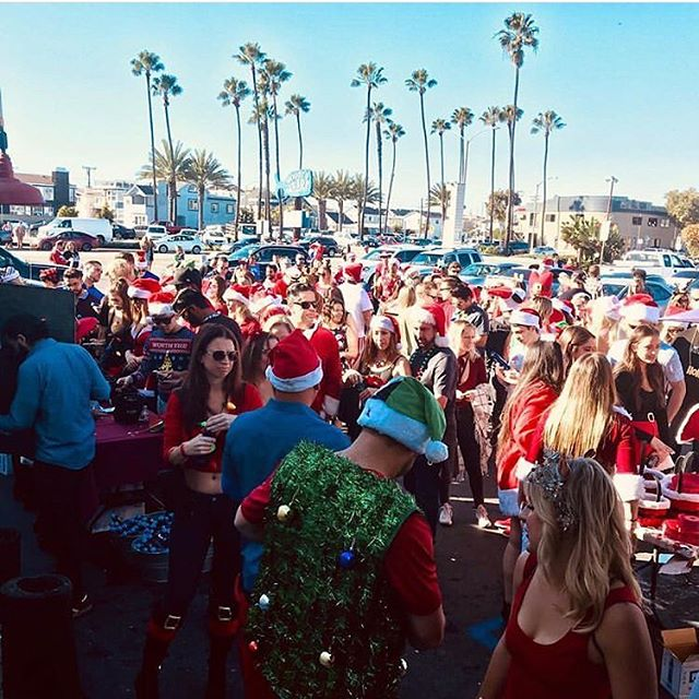 Thank you to everyone who attended, sponsored and supported the amazing 2018 @ocsantacrawl we broke records this year! Over 1200 Santas!! Stayed tuned for the official numbers on attendance and money raised! Waiting on the bar totals!  #ocsantacrawl #blessed #santacrawl #santacon #grateful #newportbeach #newportpeninsula #woodyswharfnewport
