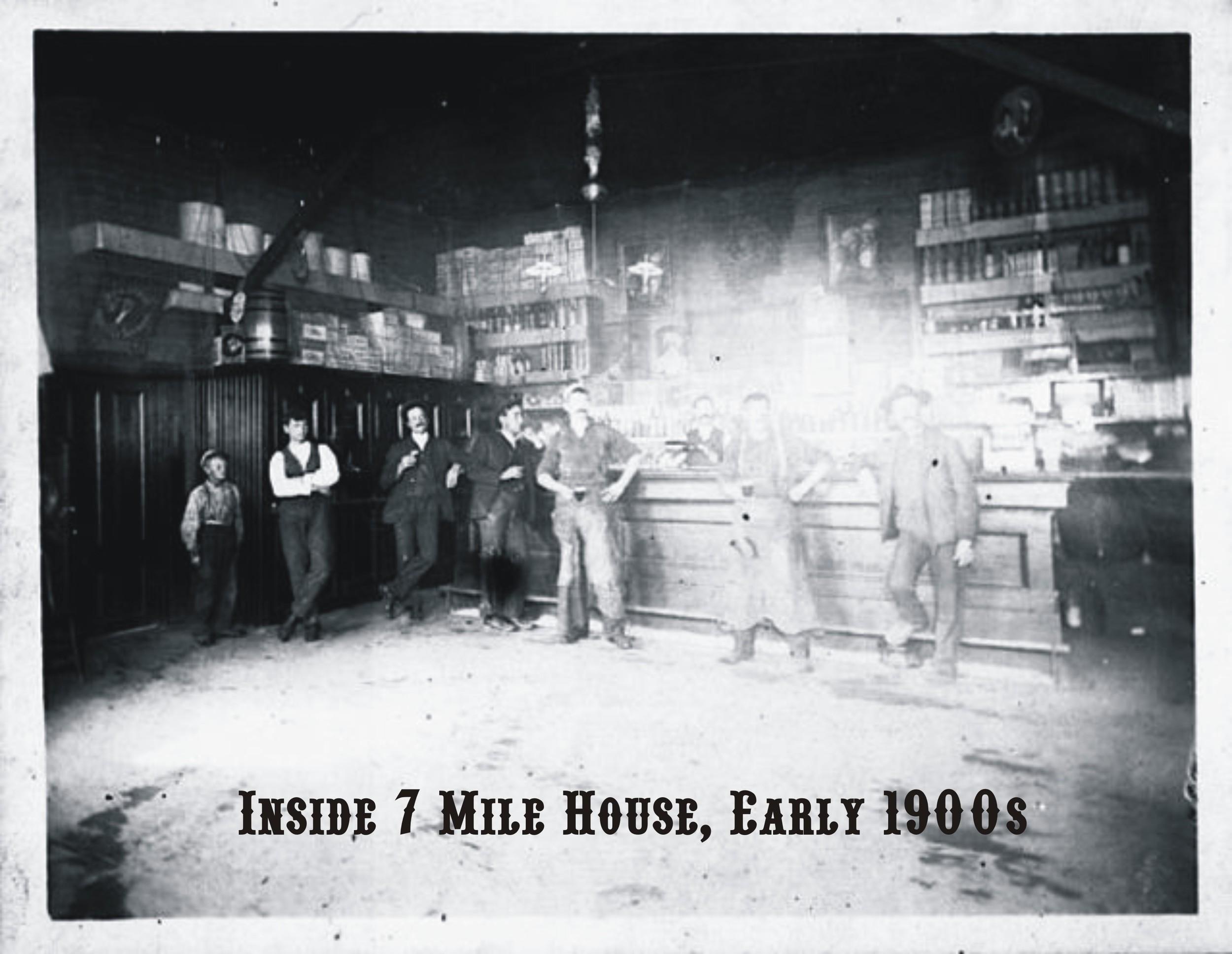 Slideshow Photo Inside 7 Mile Full Bar.jpg