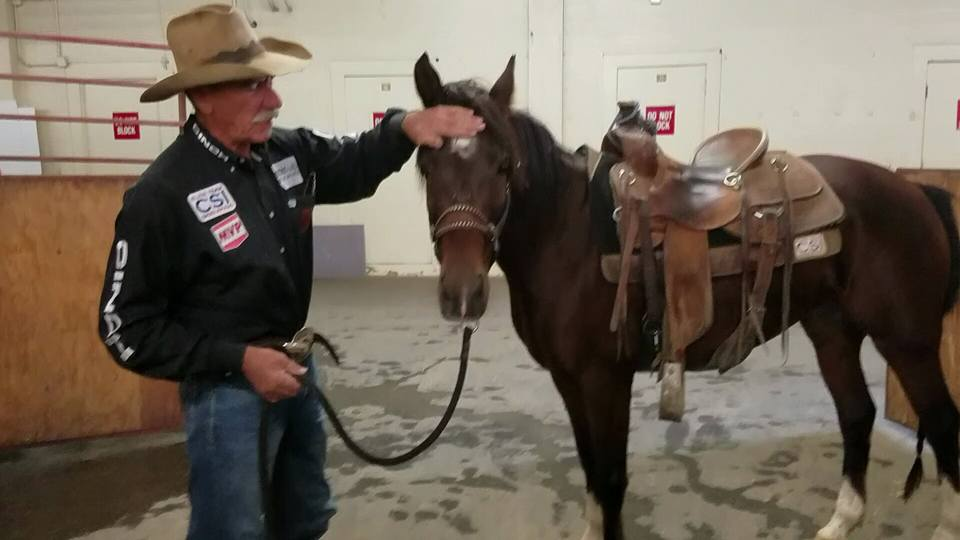 Mustang rider Bobby Kerr praises his rookie ride, Cinch. (Still from video by Jeff Kaliss)