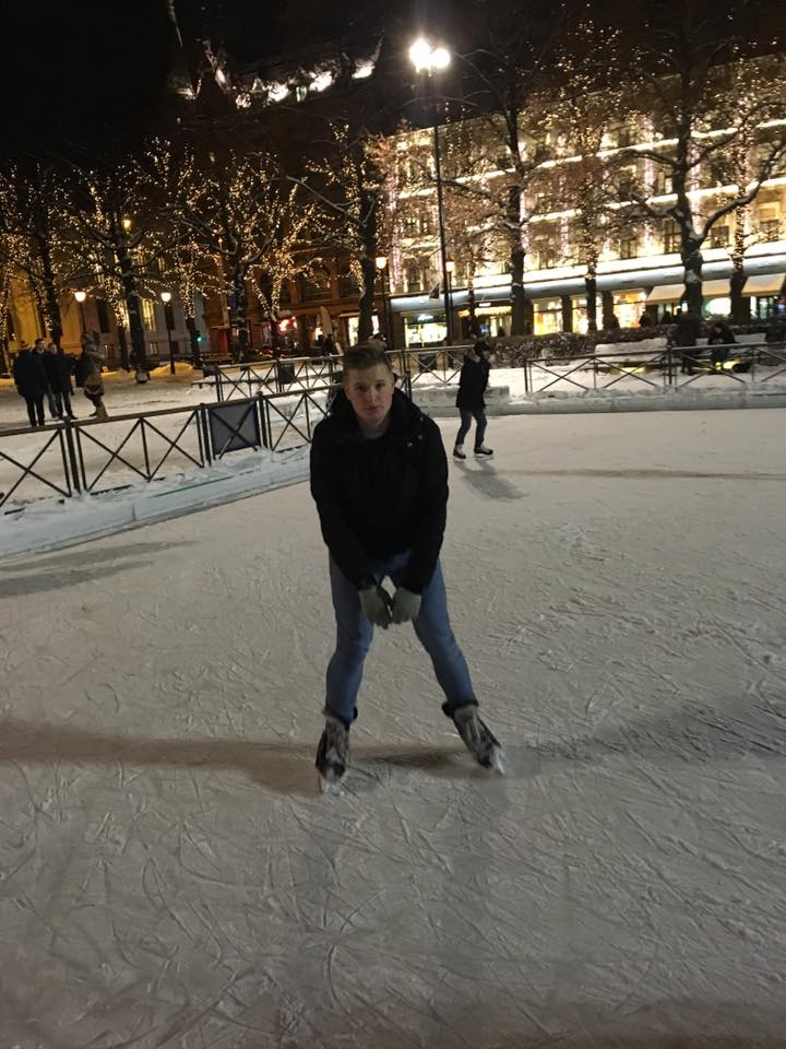Spikersuppa-Ice-Skating-Rink-Oslo-Travelling-Tom