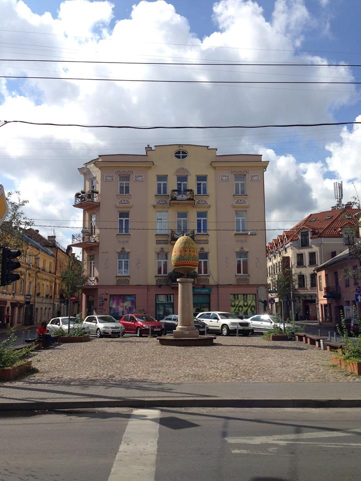 A sculpture of an egg in the Jewish quarter of Old Town.