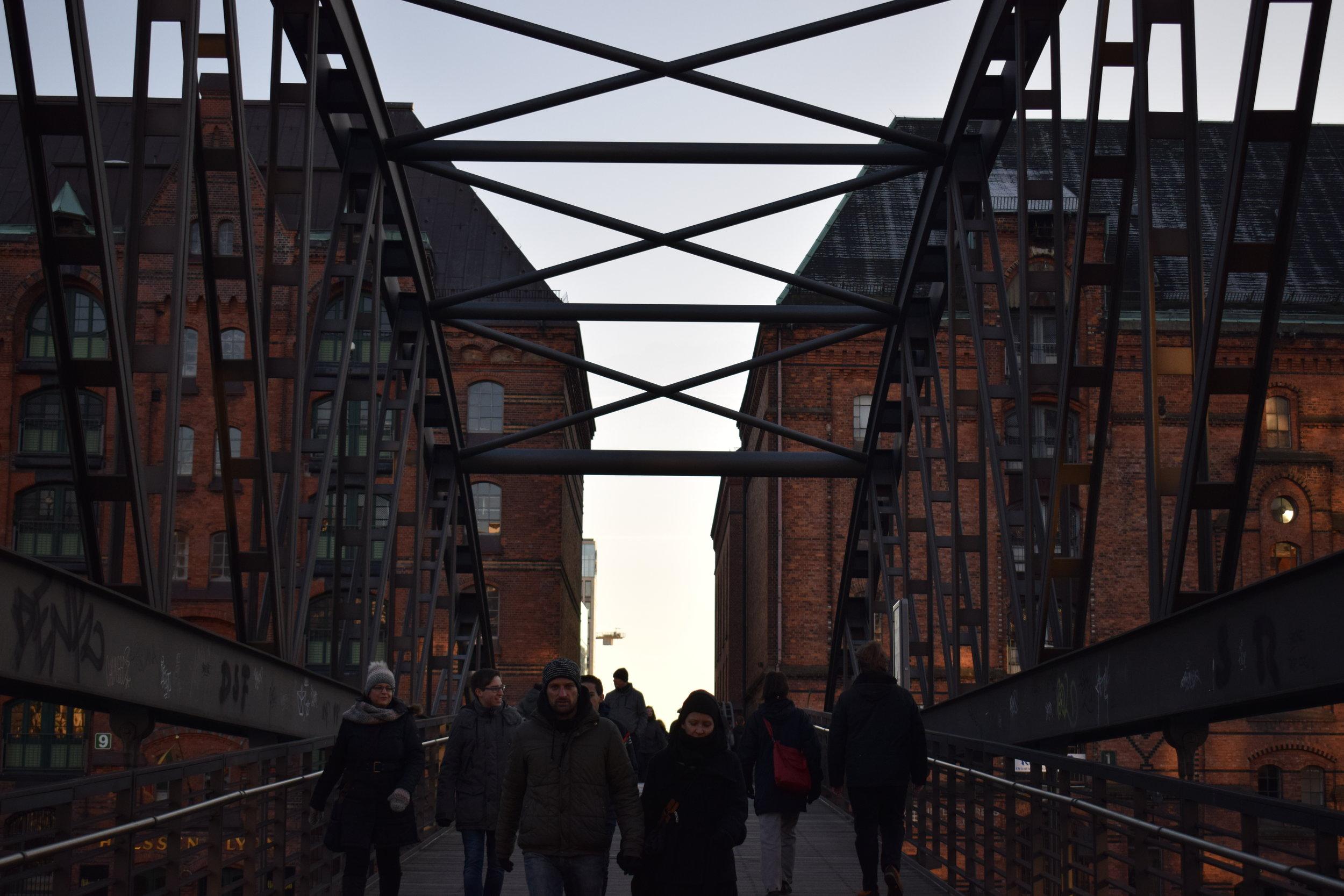 Speicherstadt-Hamburg-Bridge-Sunset