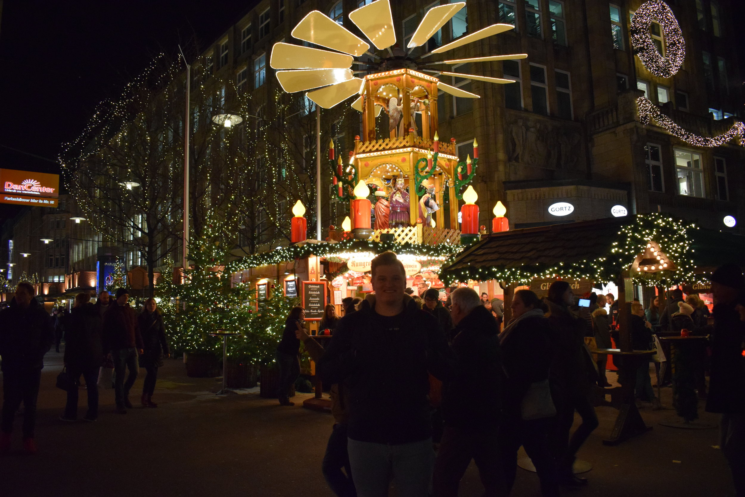 Hamburg-Christmas-German-Market-Tom
