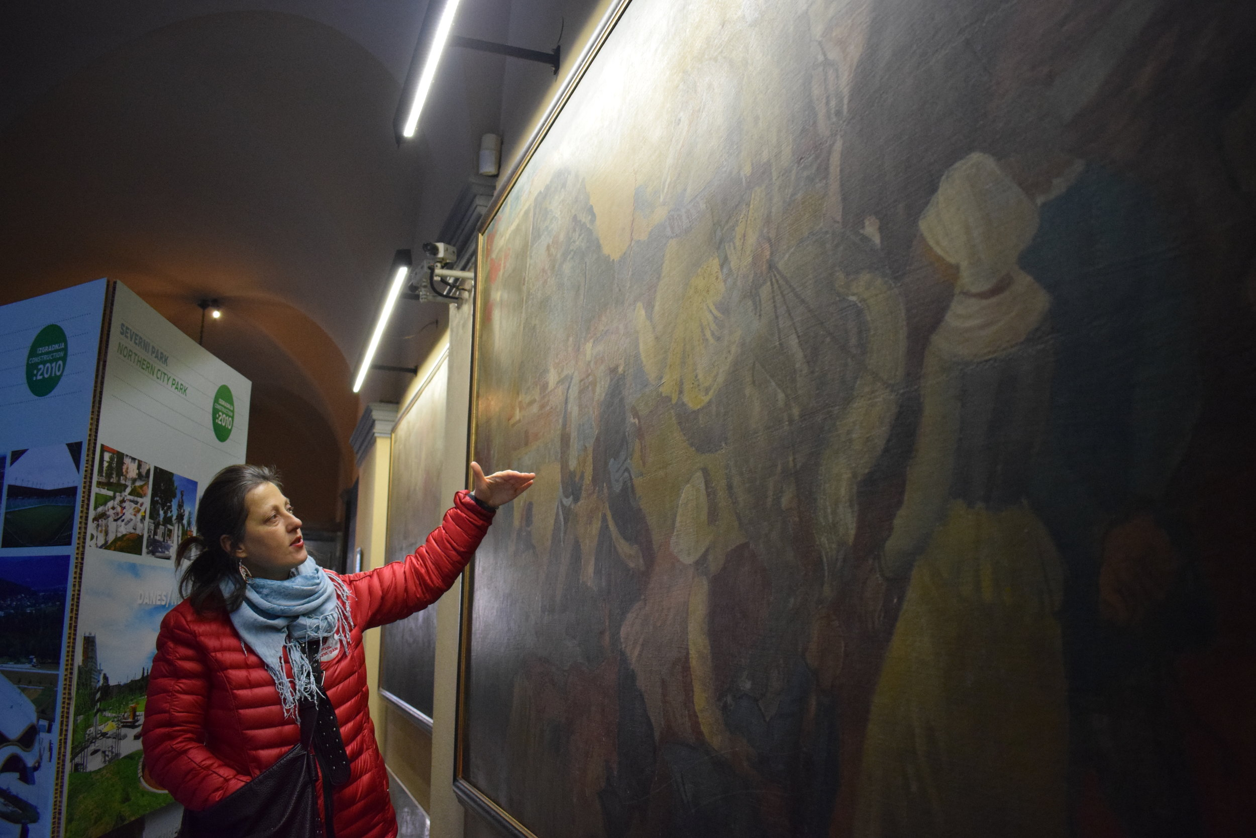 Learning about Ljubljana's history on the Regular Walking Tour, free with the    Ljubljana Card   .
