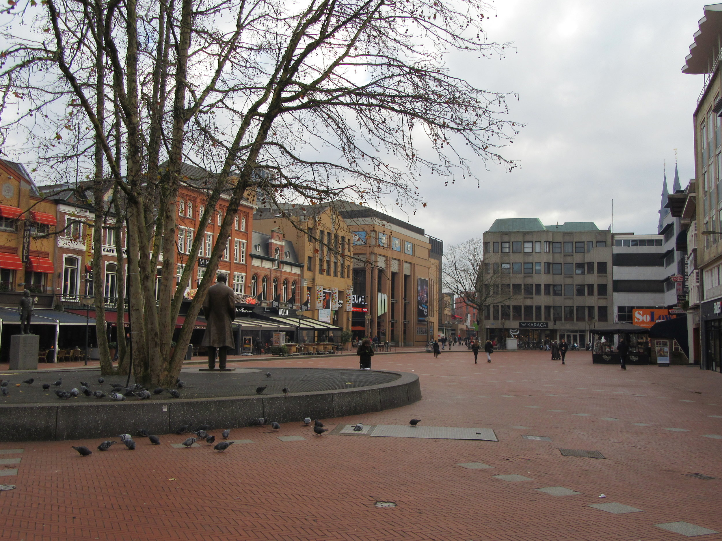The statue of of one of Eindhoven's favourite sons Frits Philips overlooks cental square, the Markt.