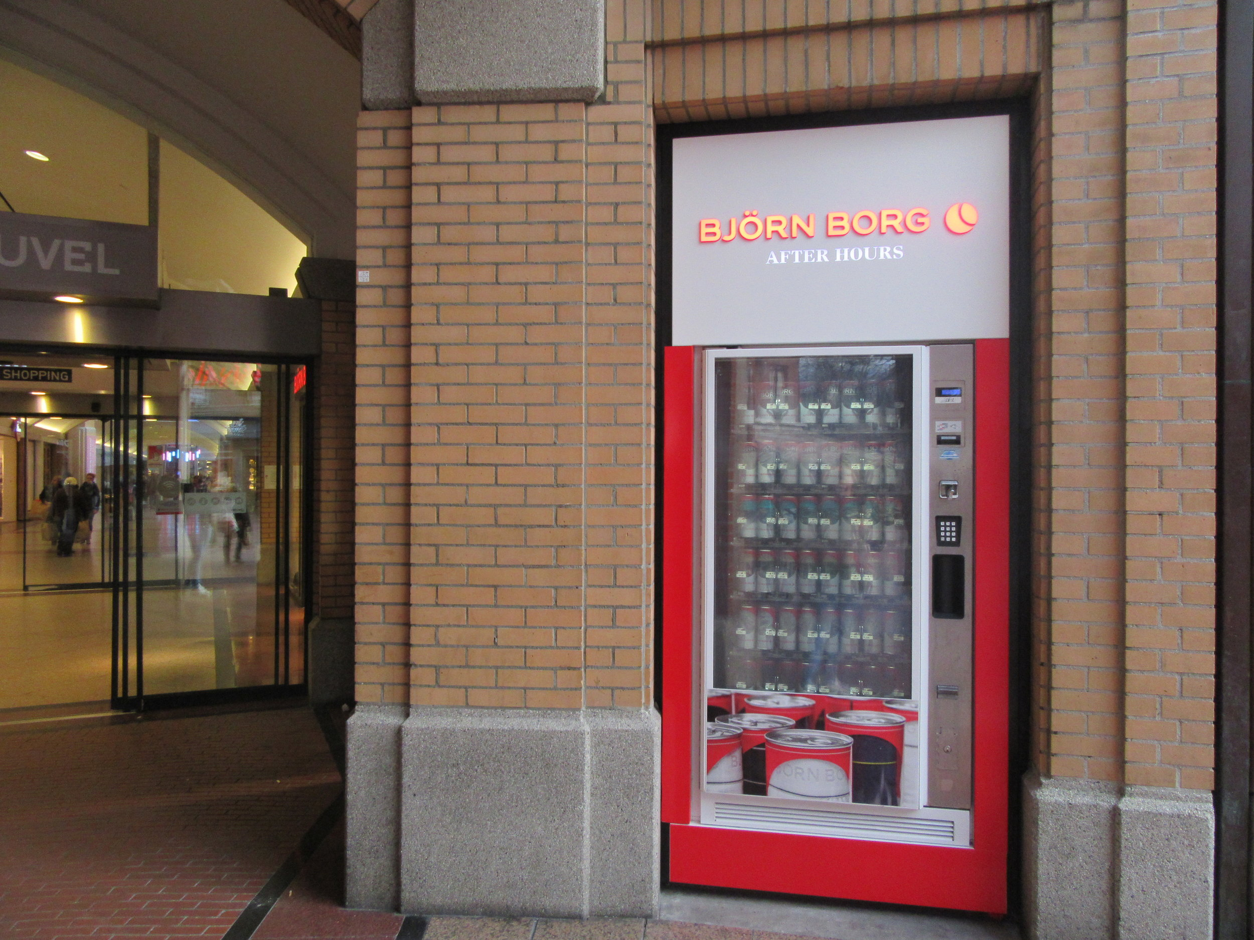 Bjorn-Borg-Boxer-Shorts-Vending-Machine-Eindhoven