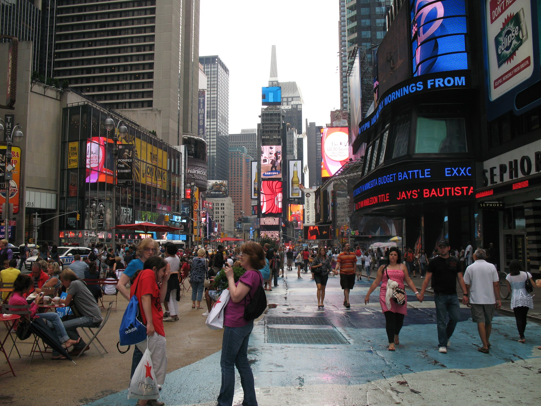 New-York-Times-Square-Day