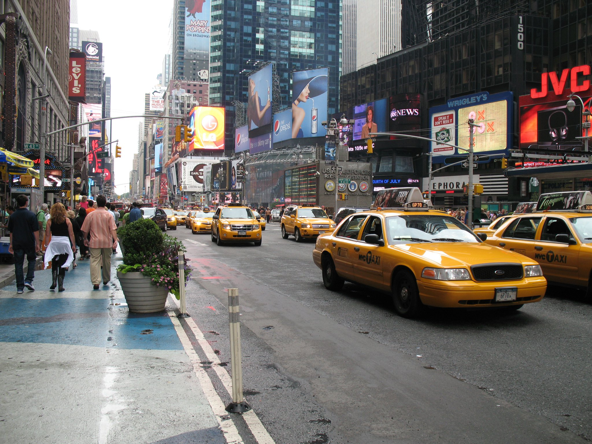 NYC-Yellow-Taxis-Times-Square