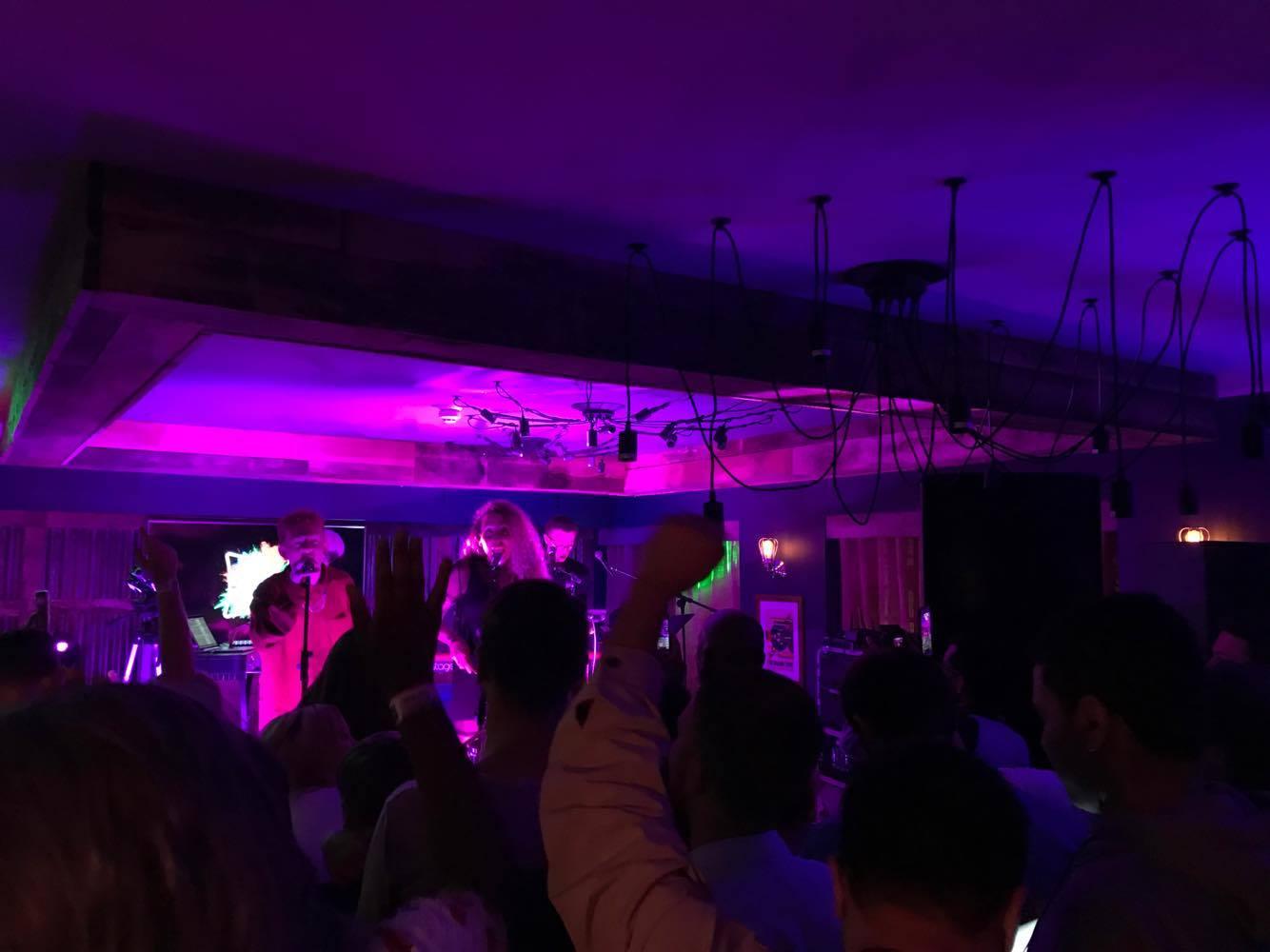 Ibis-Styles-Manchester-Bar-Concert