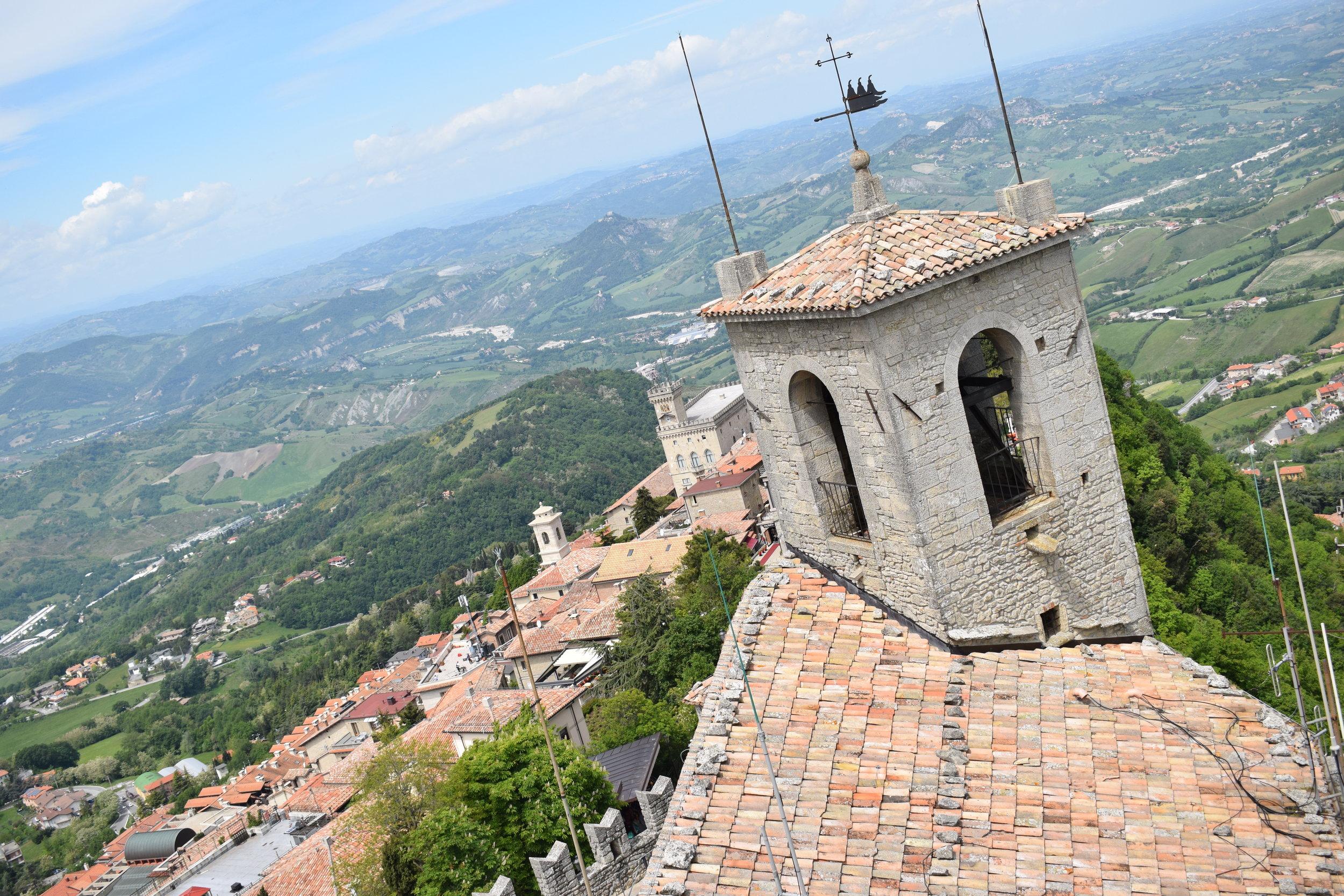 San-Marino-Mountain-View