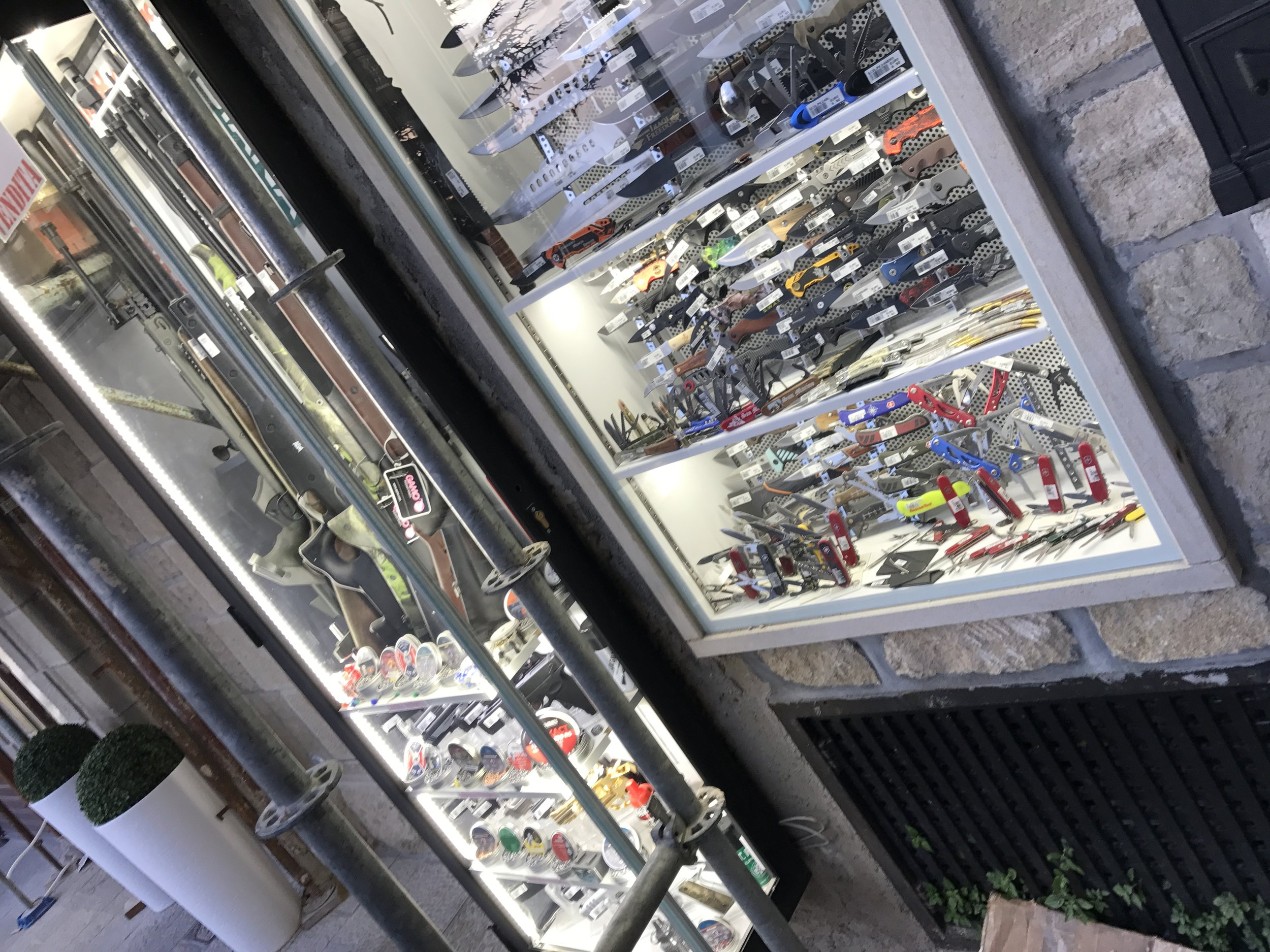 San-Marino-Knife-Shop-Store