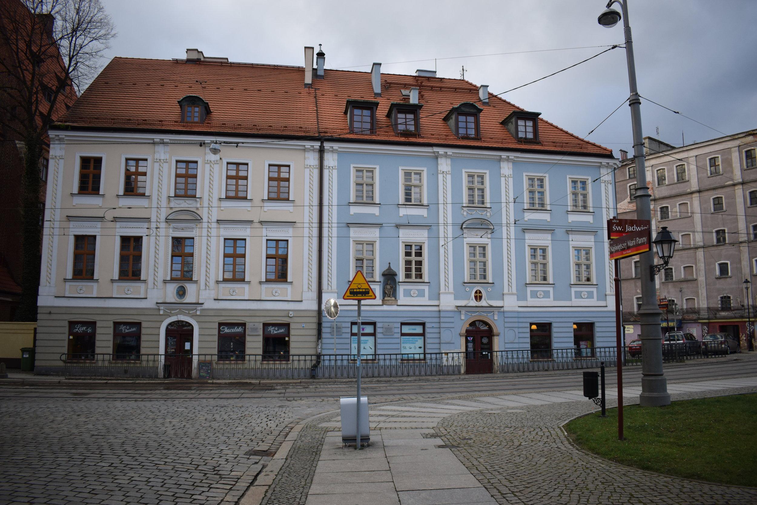 Wroclaw-Street-Buildings