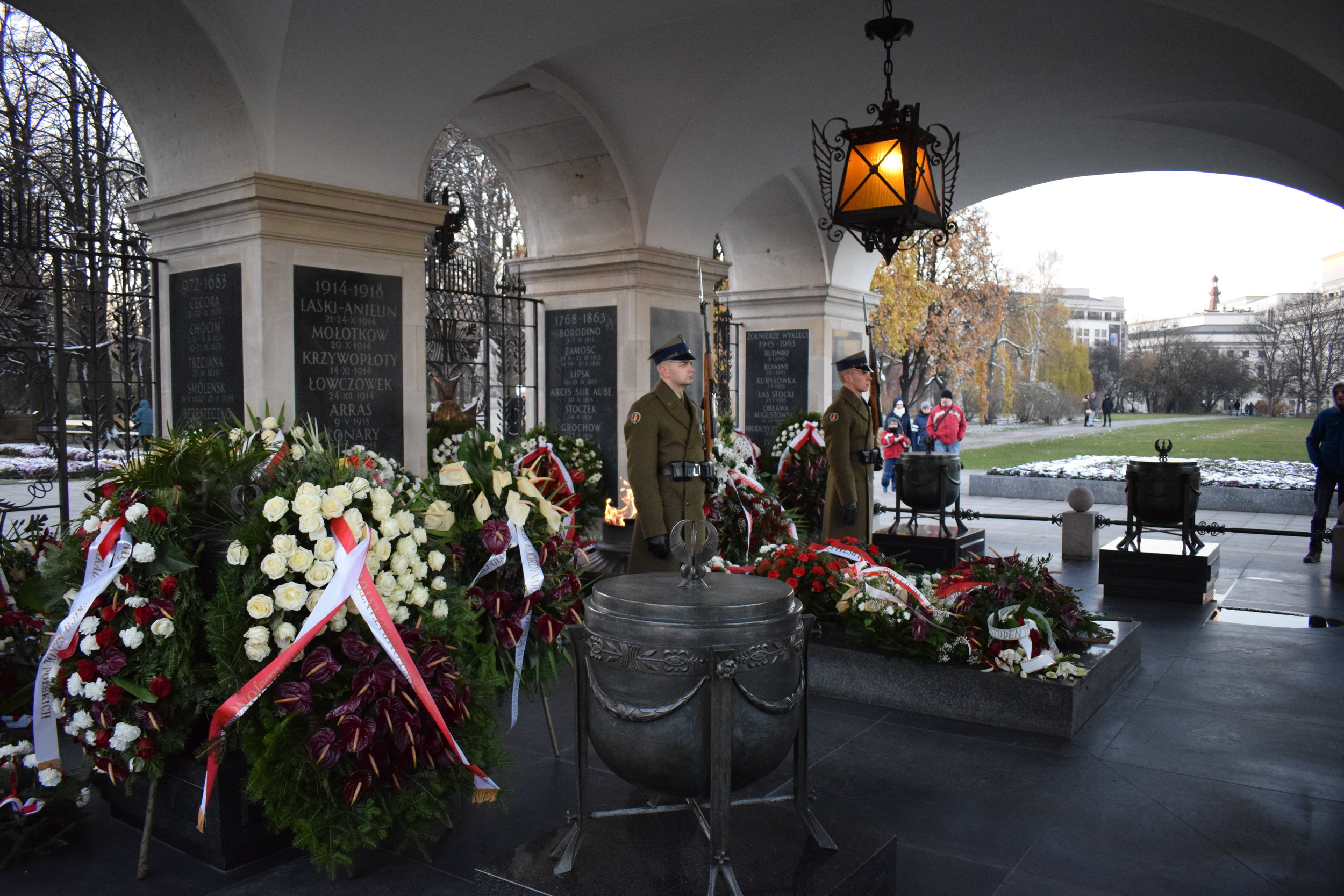 Tomb-Unknown-Soldier-Warsaw-Poland