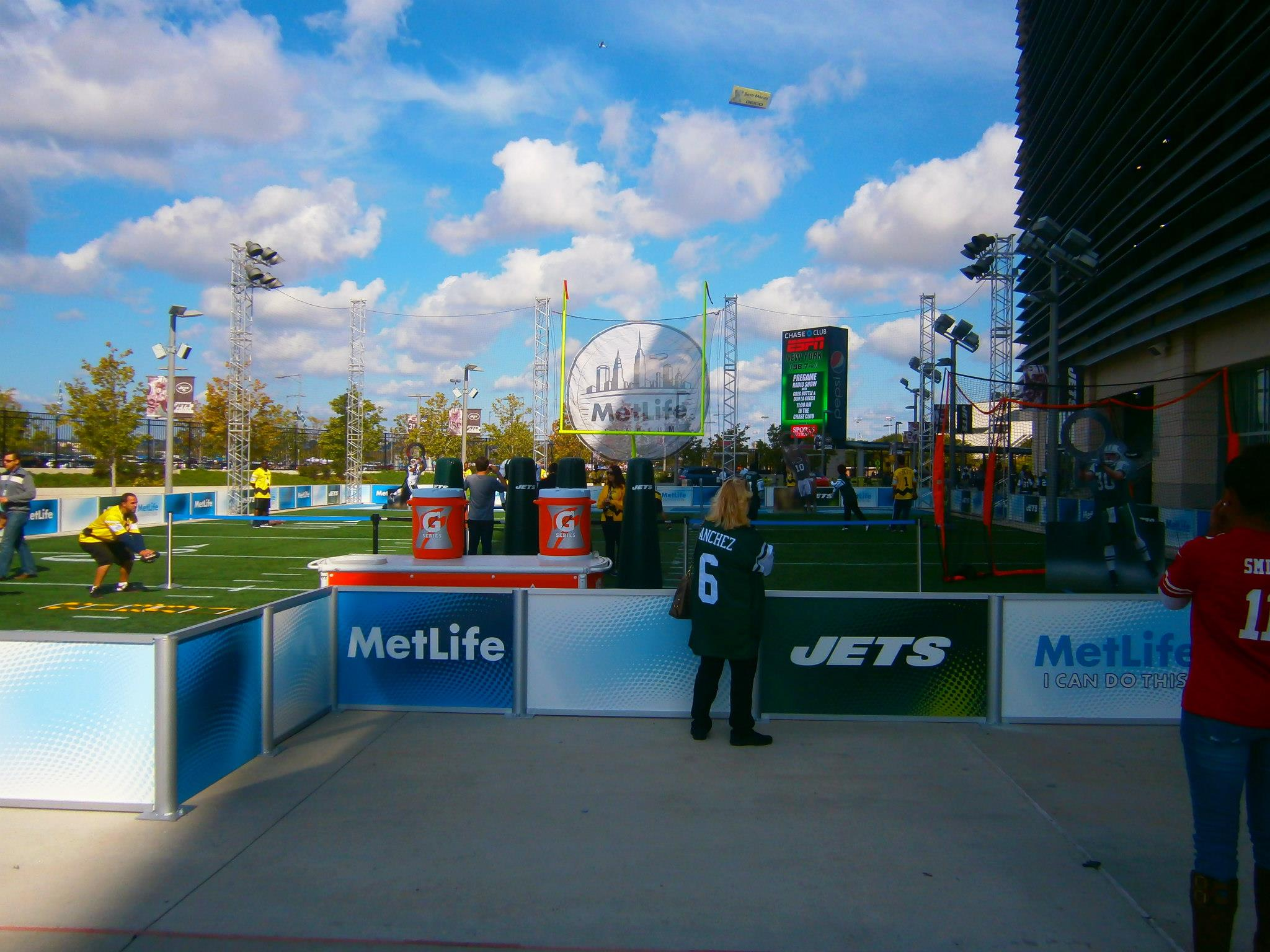 MetLife-Stadium-Fan-Zone