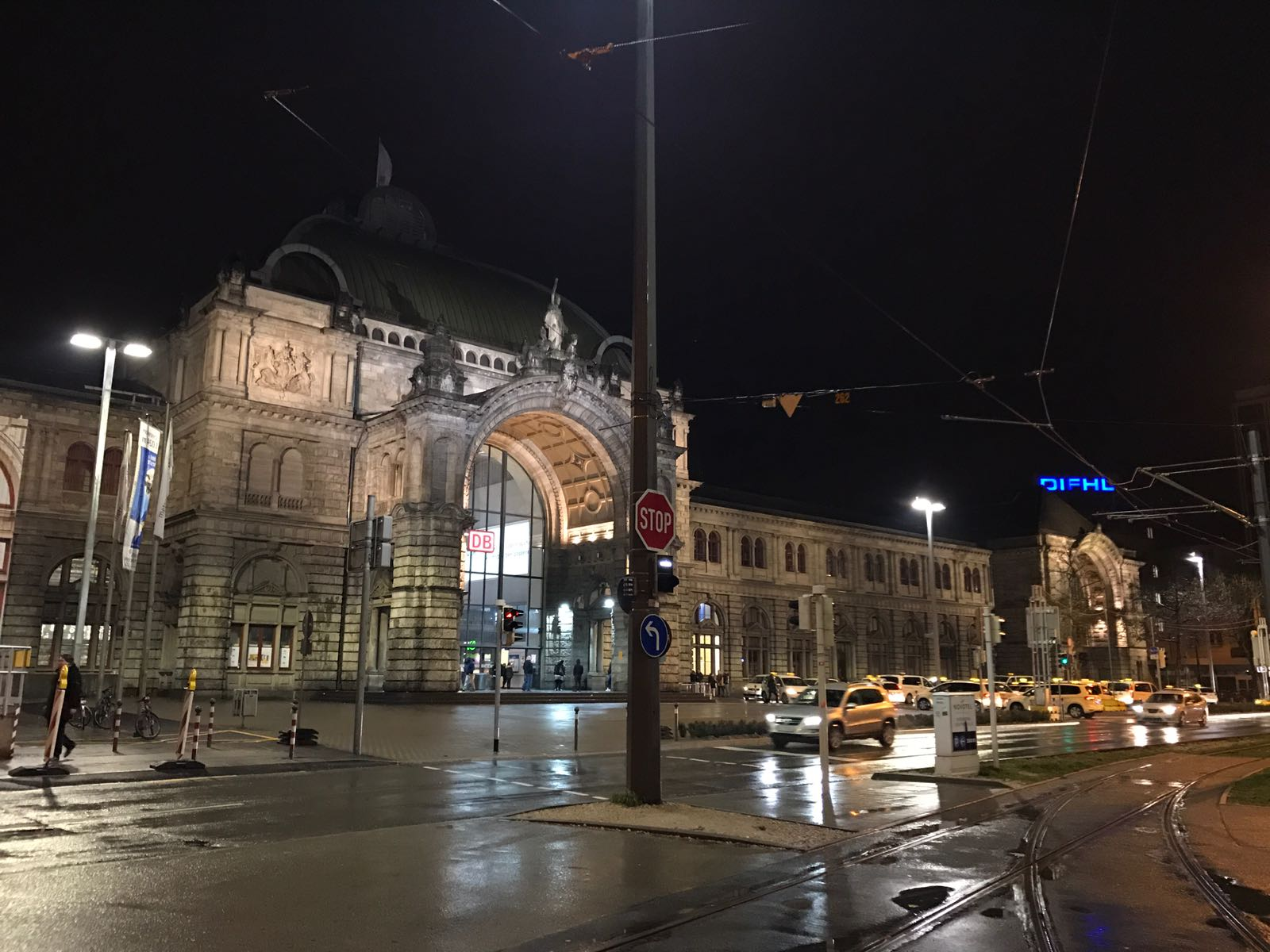 Nuremberg Hauptbahnhof at night.