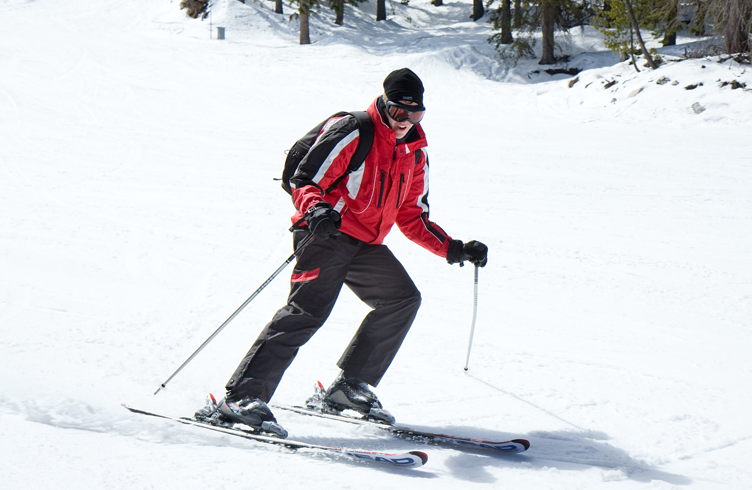 A skiier going down the slope in Bansko. Image credit:    E01   /   Creative Commons