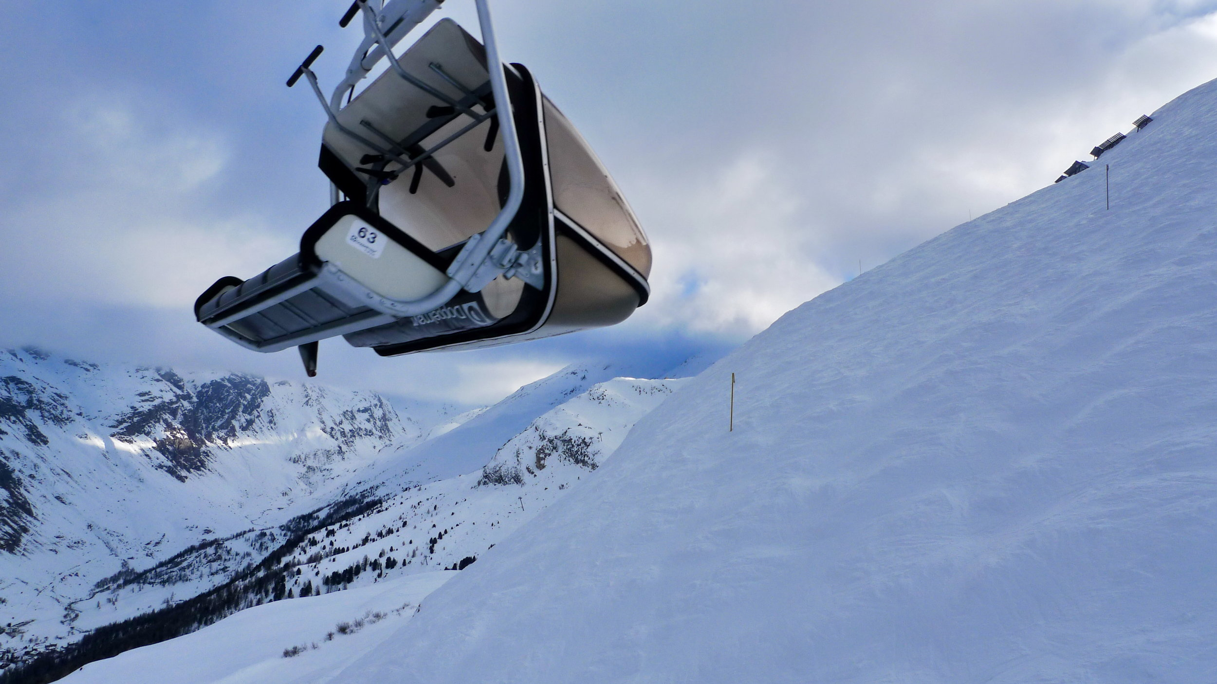 A ski lift in popular French ski resort Val d'Isere. Image credit:    Tania & Artur   /   Creative Commons