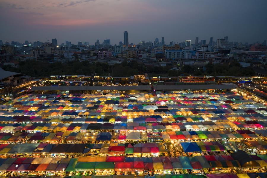 Bangkok's amazing night markets make for a great summer evening. Image credit:  Roberto Trombetta / Creative Commons