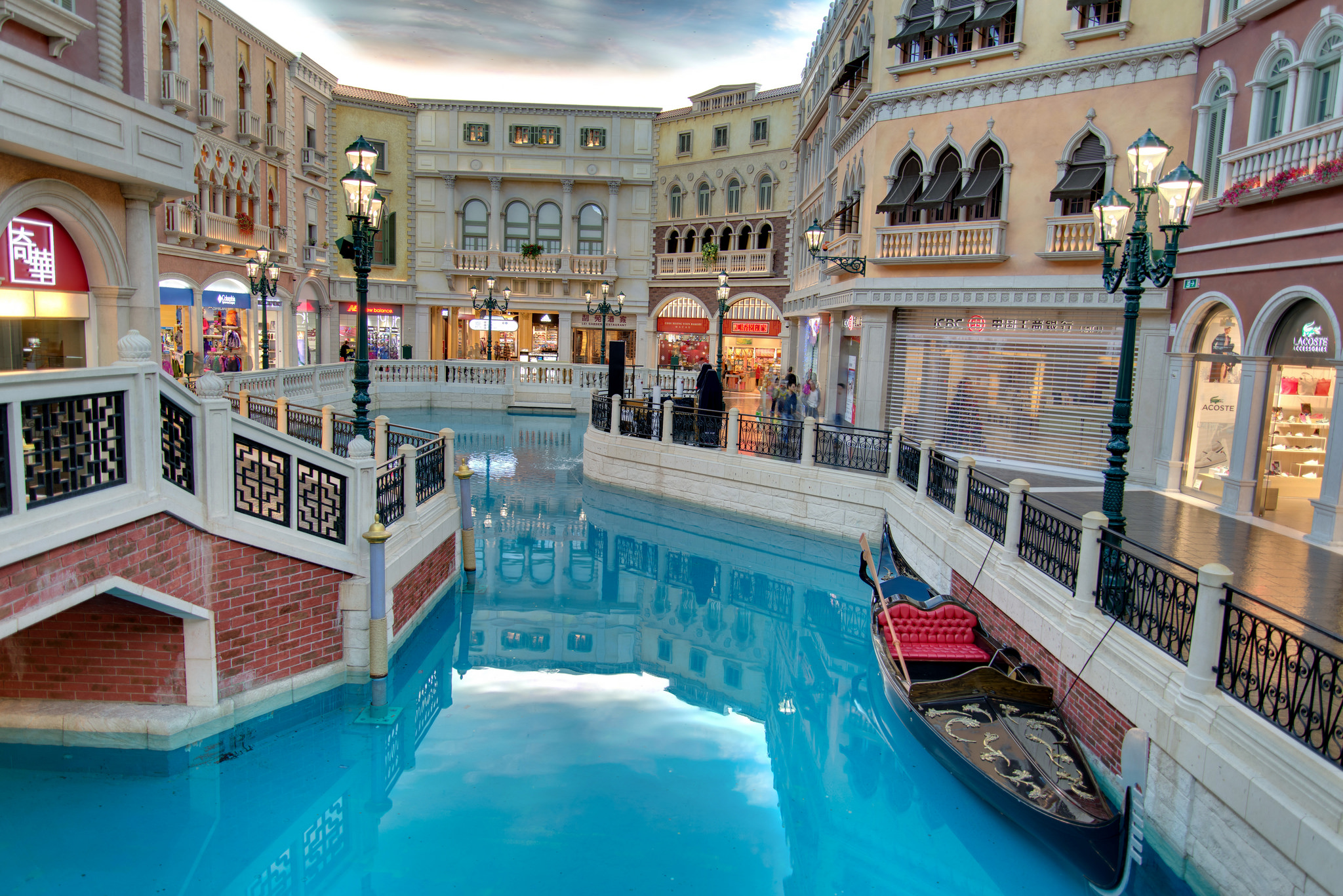 A slice of Venice lies at the heart of China's south coast, courtesy of The Venetian Macau. Image credit:  Tristan Schmurr / Creative Commons