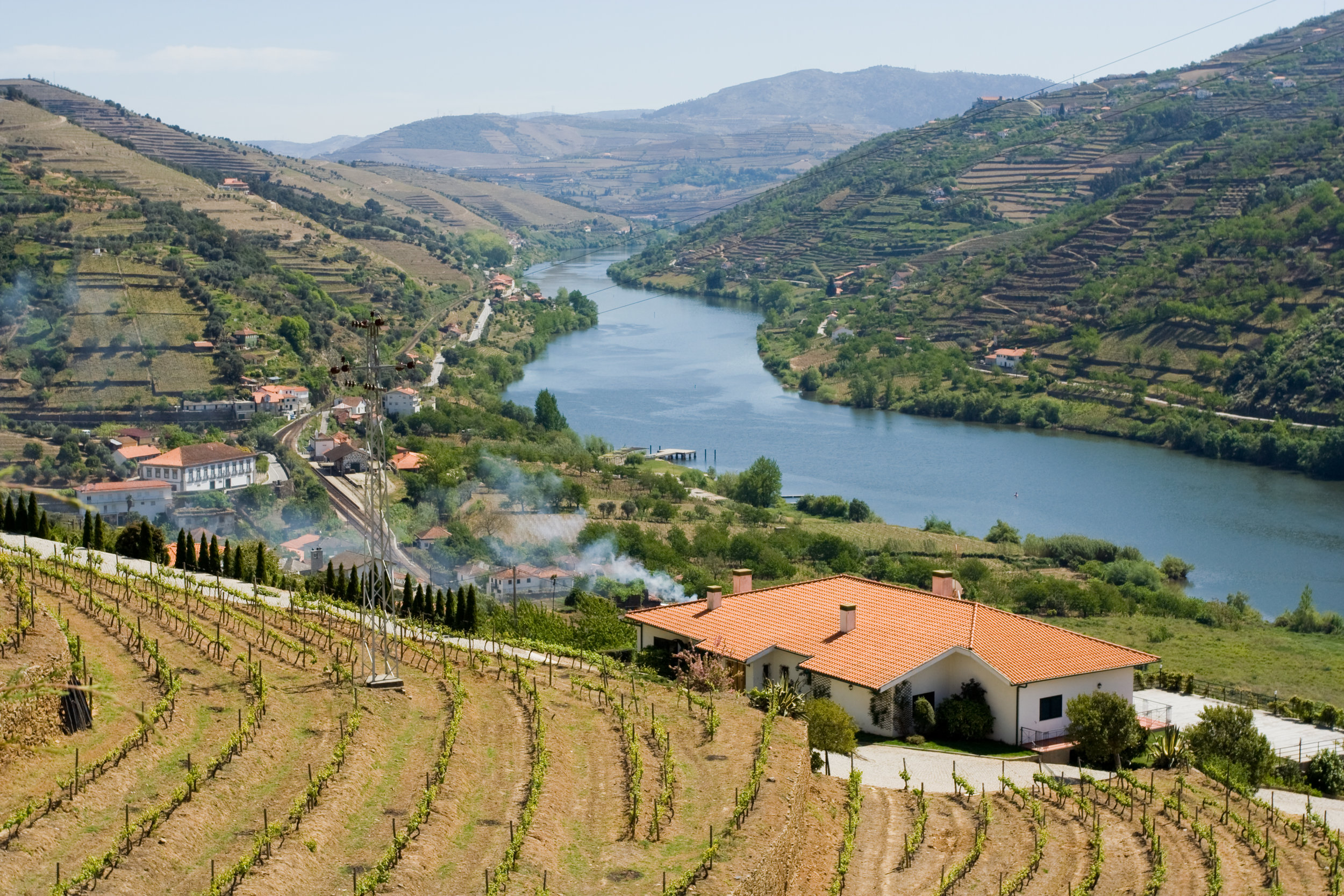 The beautiful hills of the Douro Valley.Image credit:  Marco Varisco / Creative Commons