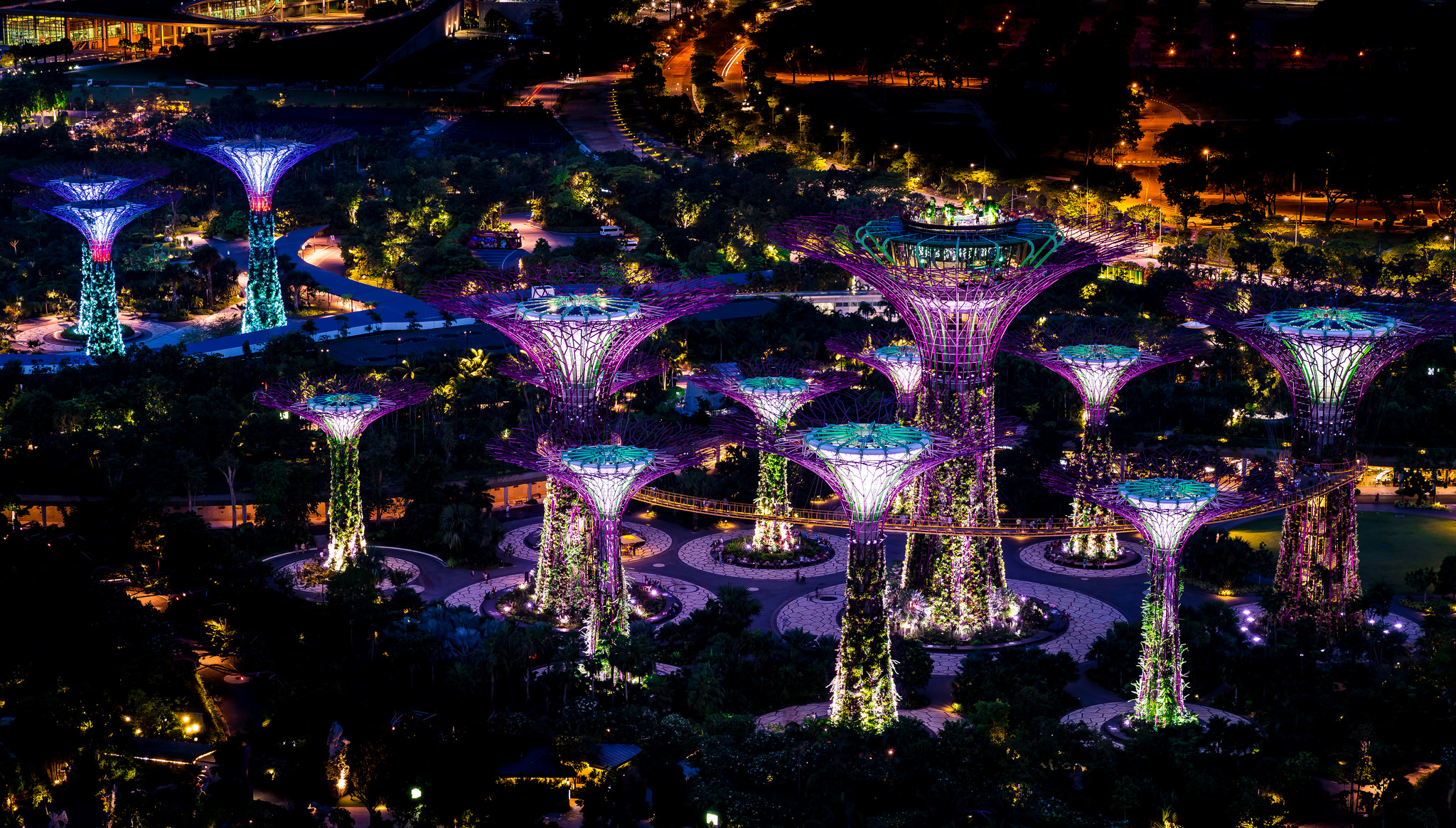 Gardens by the Bay is one of Singapore's top attractions. Image credit:    Mac Qin   /   Creative Commons
