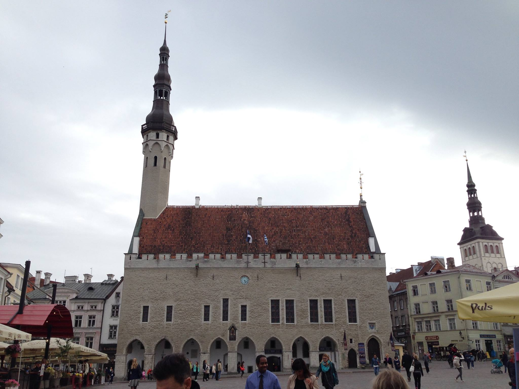 A weather vane featuring Vana Toomas sits atop the tower of Tallinn Town Hall.