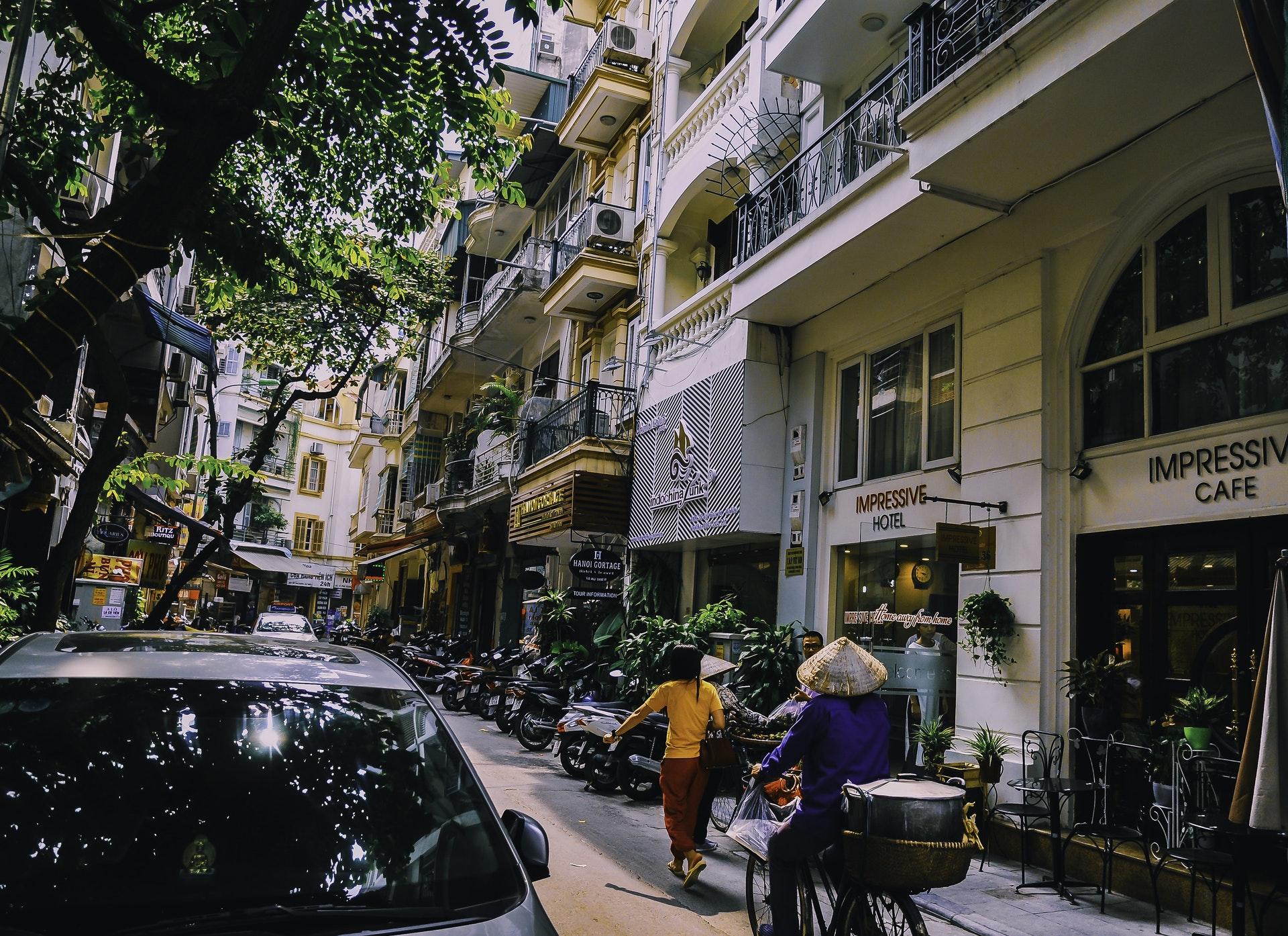 Vietnam-Street-Car-Bike-Hotel-Cafe