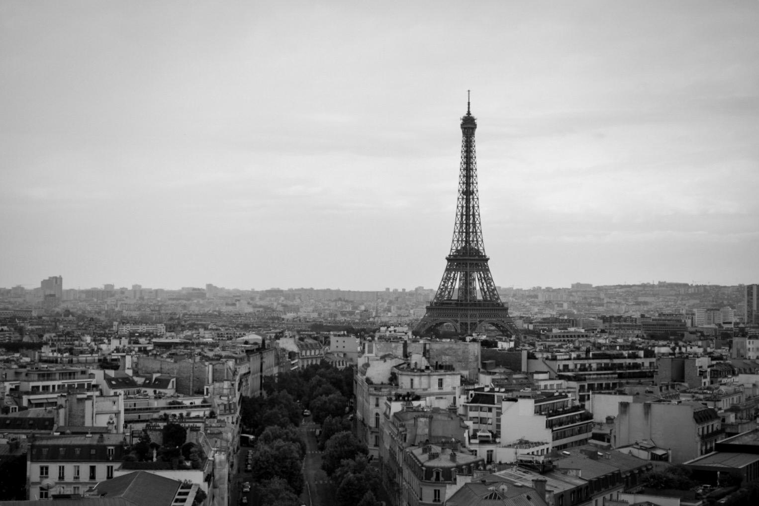 Paris looks even more beautiful in monochrome.
